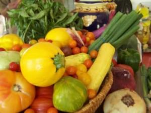 farmers market produce picture