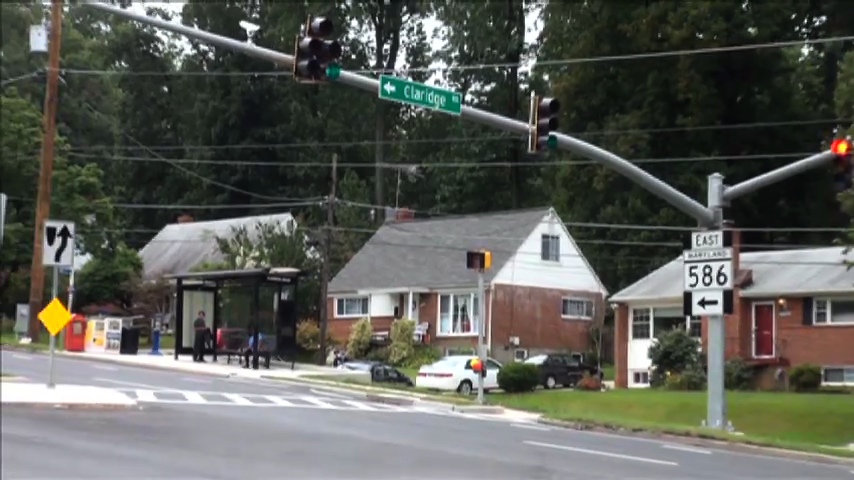 Traffic light at Claridge Road and Viers Mill Road