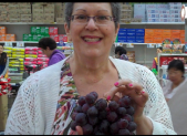 asian_market_grapes2