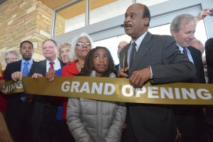Isial Leggett at Gaitrhersburg Library ribbon cutting
