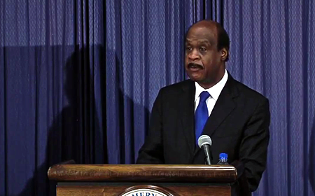 photo of Ike Leggett presenting budget