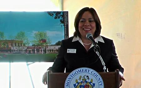 photo Nancy Navarro at Animal Shelter opening