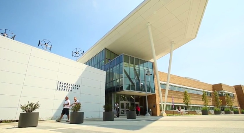 photo of MC's bioscience education center