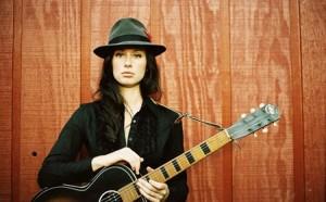 photo of Singer-songwriter Lera Lyn