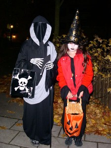 450px-Trick_or_treat_in_sweden