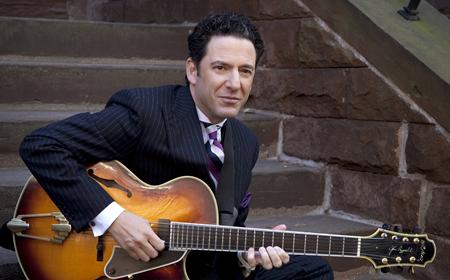 photo of John Pizzarelli