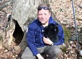 Bear Expert Harry Spiker and cub 450x280