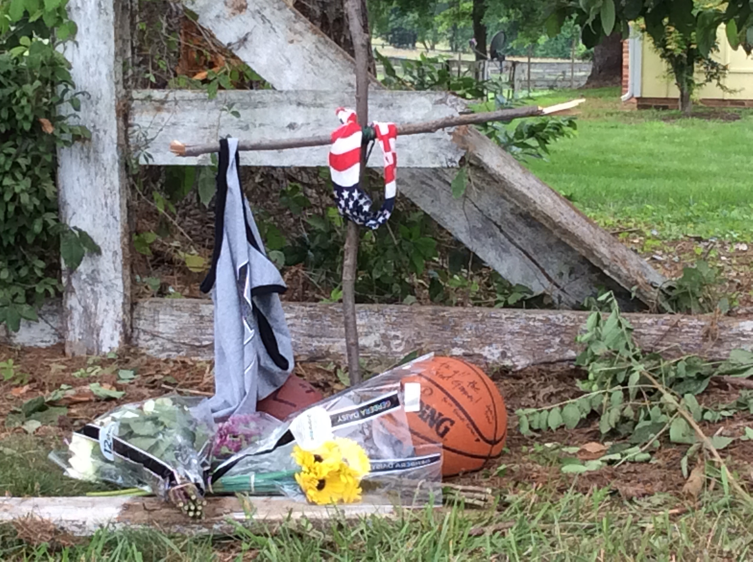 Memorial Growing for Teen Victims of Car Crash in North