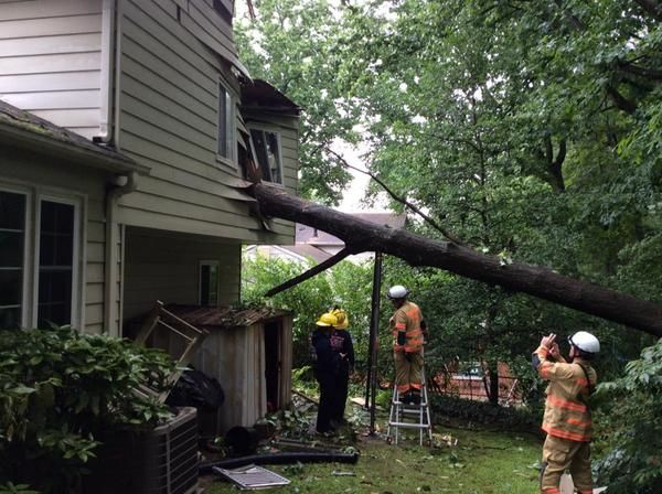 Tree Falls On House Woman Trapped Montgomery Community