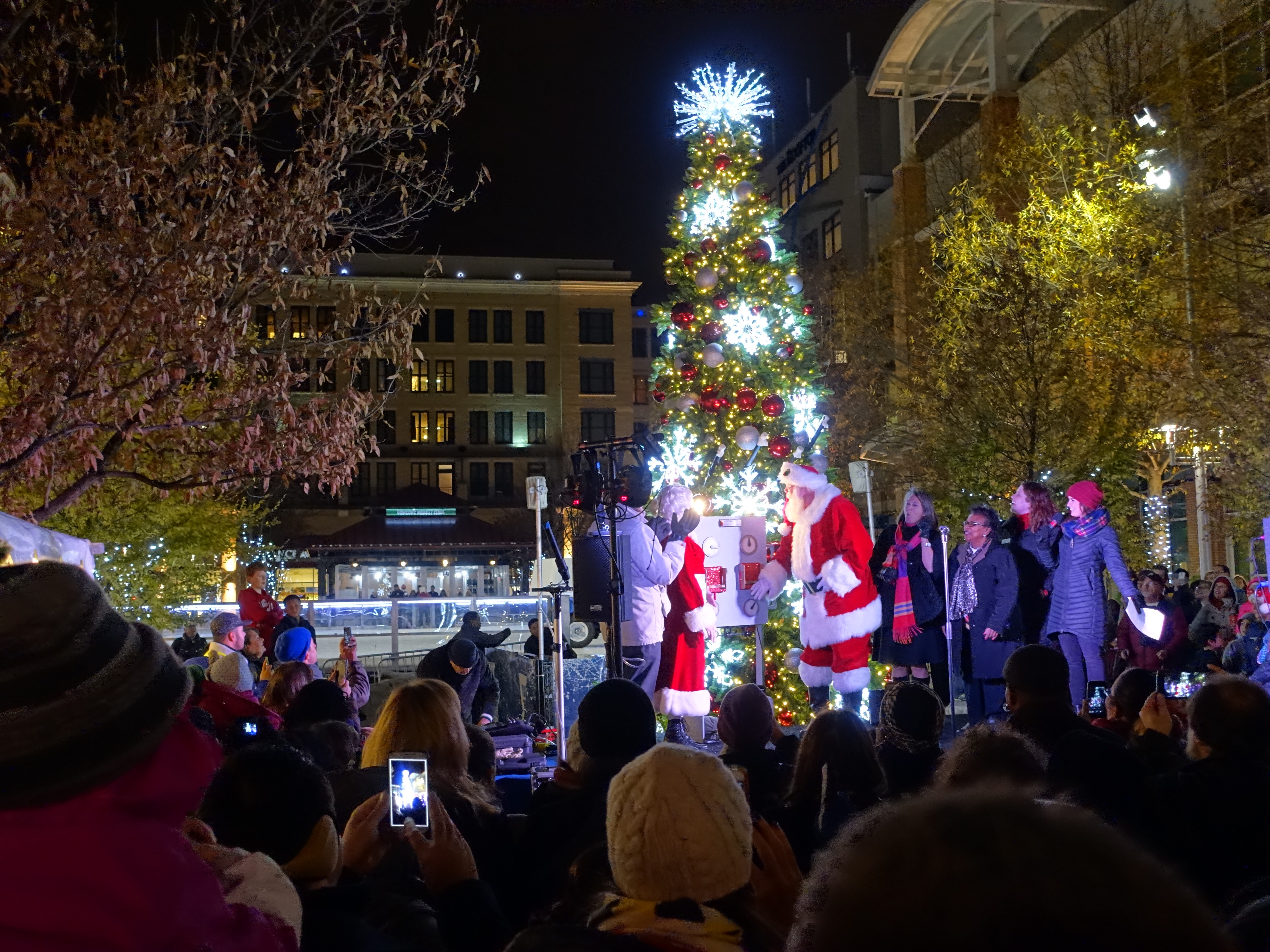Santa Turns On The Light At Tree Lighting Ceremony Rockville