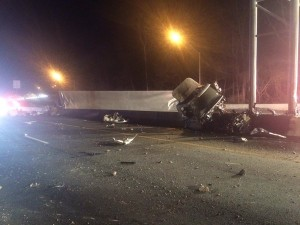 UPDATED: Fatal Truck Accident Closes Beltway (Photos & Video