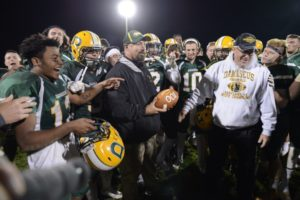 damascus coach wallich 100th win