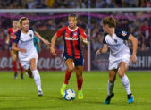 Spirit forward Mallory Pugh threads the needle. 20190928 NC Courage at Spirit Photo Credit:  David Wolfe