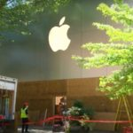 Bethesda Apple Store Boards Up in Wake of Break-Ins